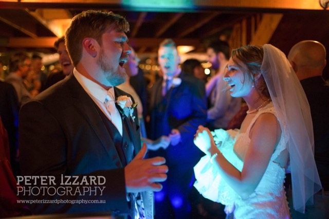DJ MC South Coast Coolangatta Estate Winery TJ Productions Peter Izzard Wedding Dance Sing DJ MC Moment