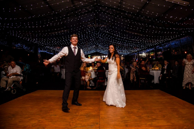 Samuel White Photography-Terrara Park-Wedding-TJ Productions